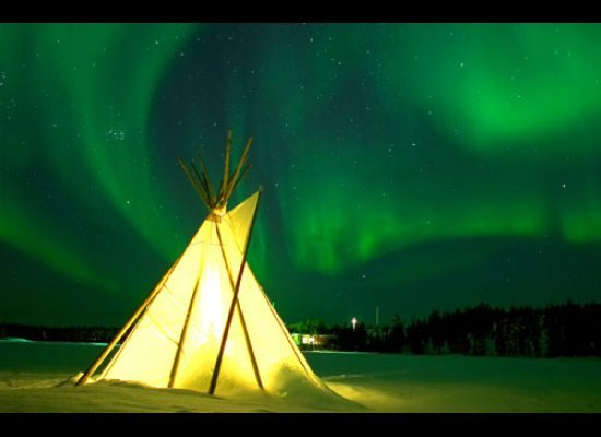 Canada: Go North Of The Border For Great Views Northern Lights And  Illuminated Teepee In Yellowknife, Northwest Territories