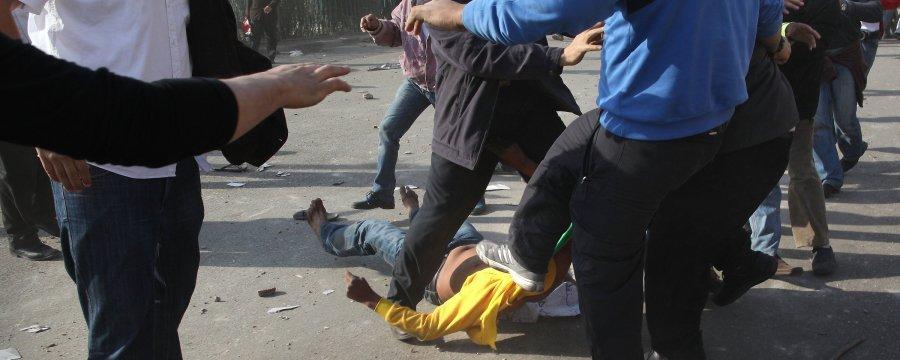 مبارك يحرق مصر...الصور + الفيديو  Slide_16786_234127_large