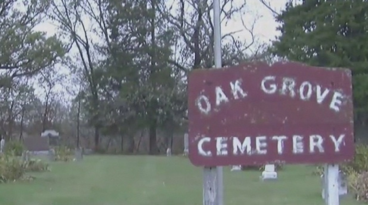 Oak Grove Cemetery: Bones And Caskets Popping Out At Iowa ...
