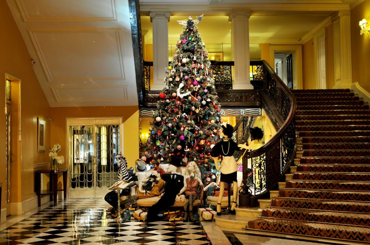 Hotel Decorations hotel holiday spirit: decorations from around the world (photos