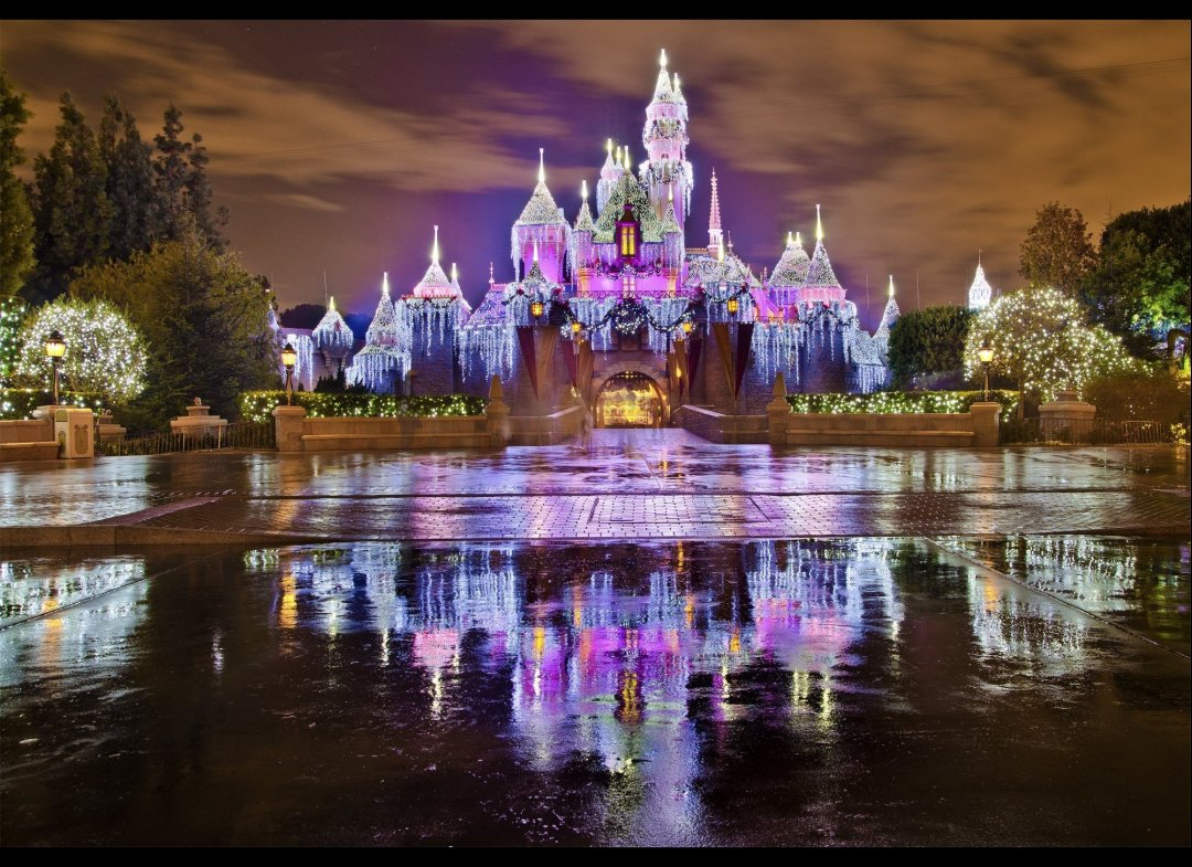 The Magic Of Disneyland At Christmas (PHOTOS) | Tom Bricker