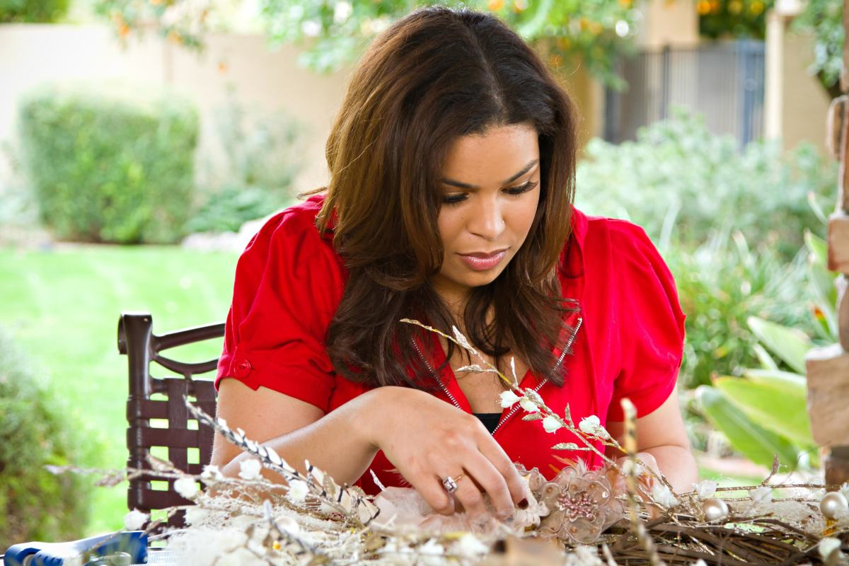 Jordin Sparks' Picture Perfect Christmas Tree | HGTV