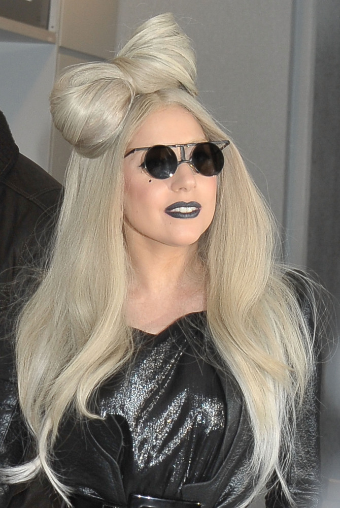 Lady Gaga Revives The Blonde Hair Bow In Japan Photos