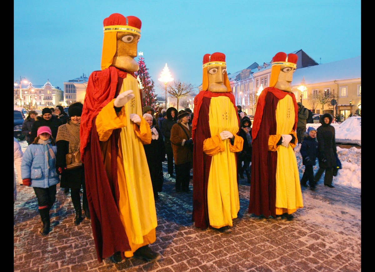 Three Kings' Day Celebration: History And Traditions Behind 'El Día ...