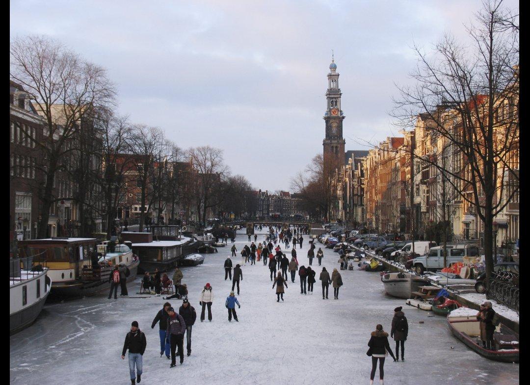 冬のアムステルダム