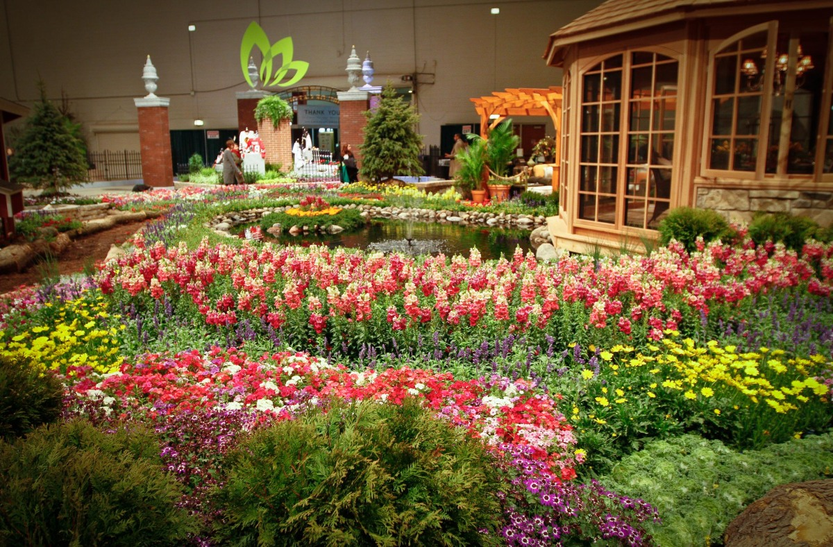Chicago flower and garden show 2012 will fuse fashion and for Flowers and gardens pictures