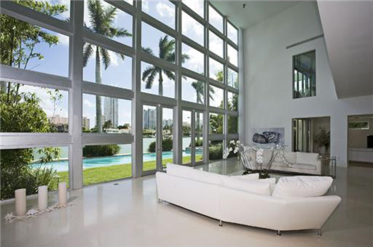 Lil wayne 39 s new ish house on the water photos huffpost - Residence moderne miami dkor interiors ...
