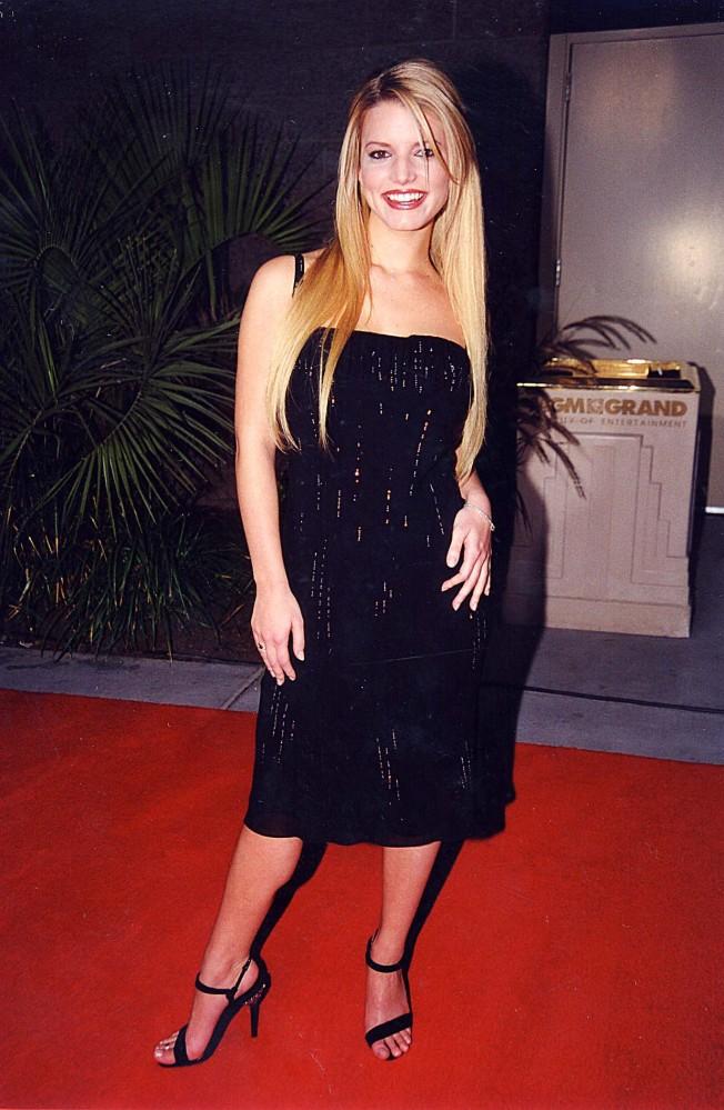 Jessica Simpson Stops ... Ashlee Simpson Shoes