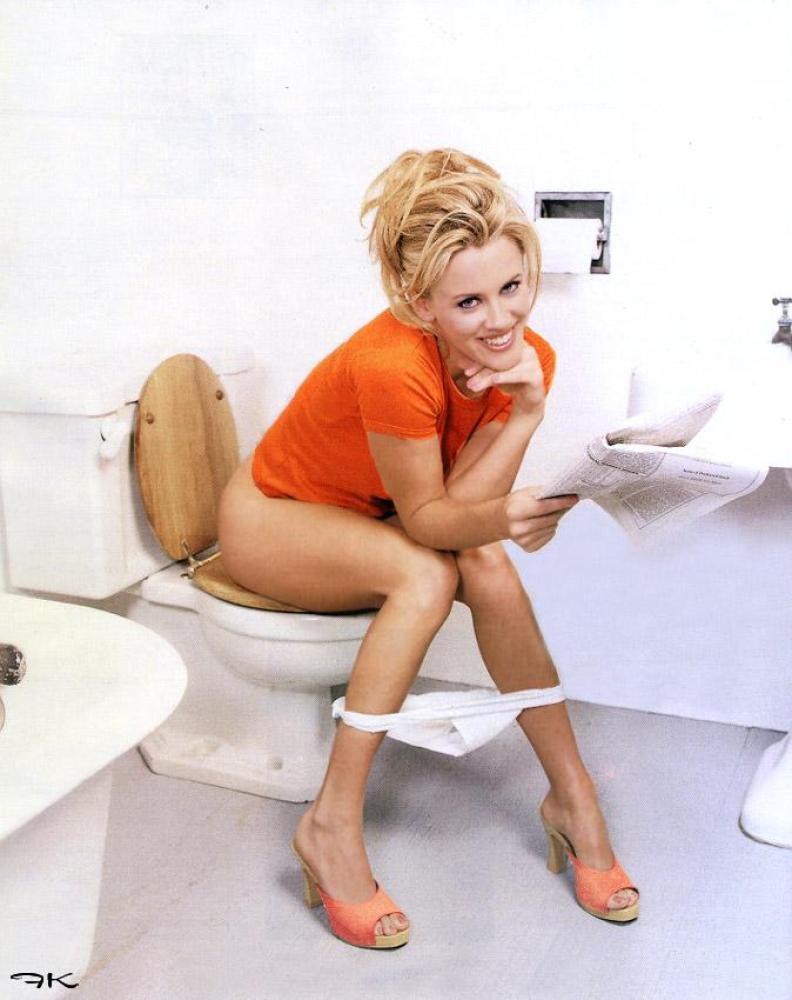 tetki-v-tualete