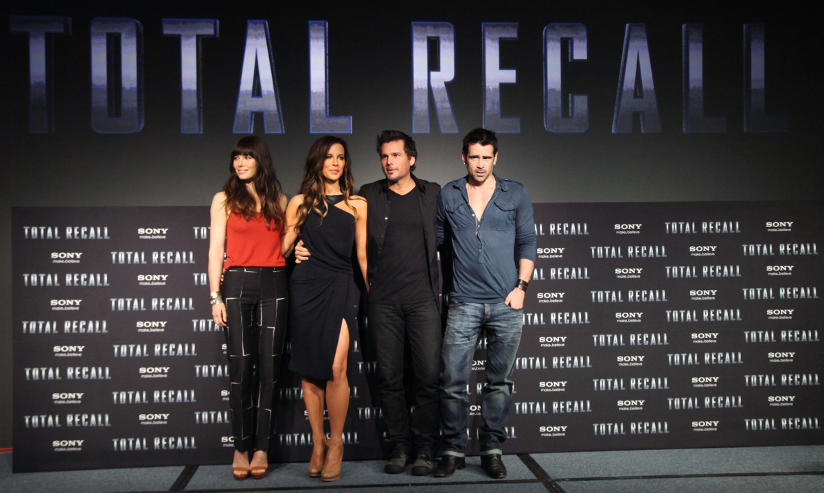 view download images  Images Total Recall: Arnold Schwarzenegger Names Memoir, While New Cast Line Up (PHOTOS) | HuffPost UK