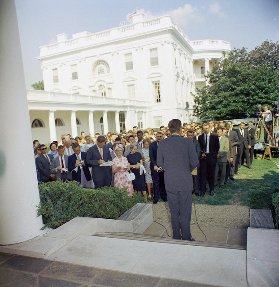 2012 White House Spring Garden Tours: See Where Bo Plays, Michelle ...