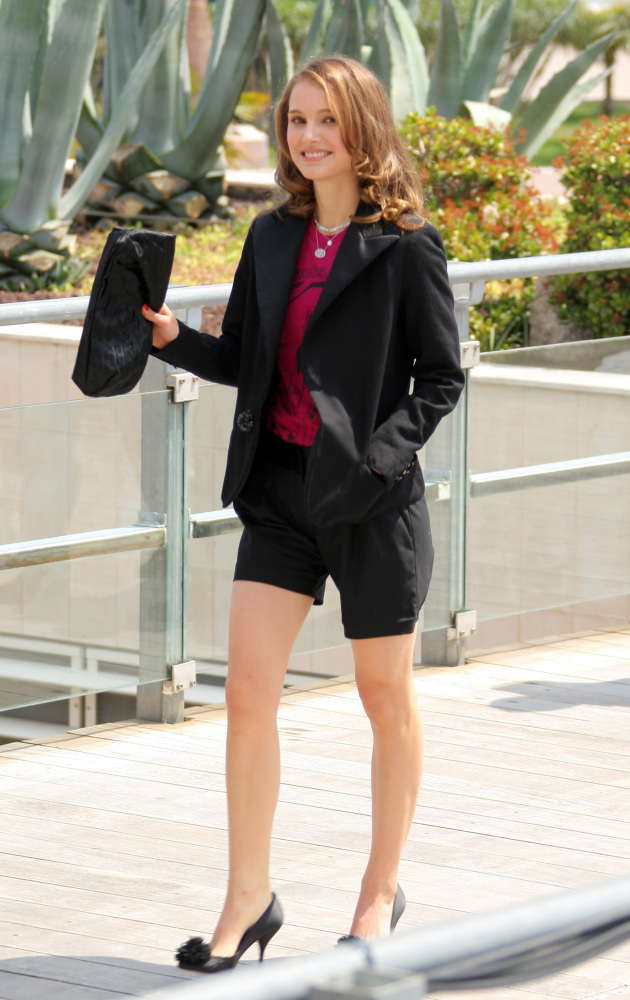 Shorts At Work Are No Longer A No-No (PHOTOS) | HuffPost