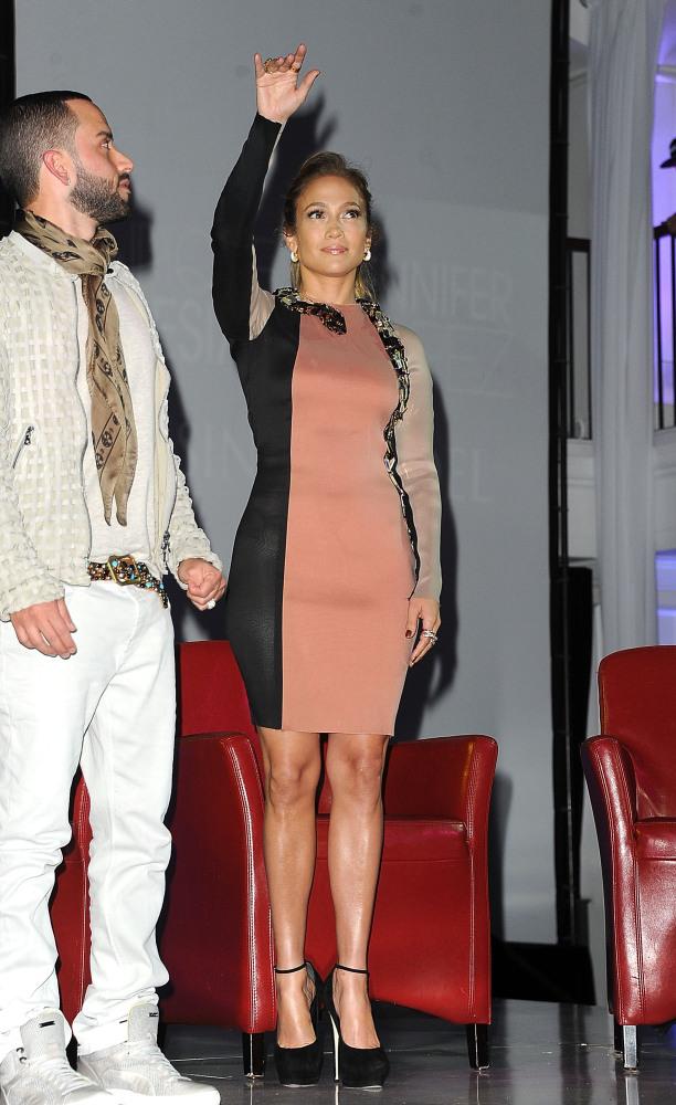 Jennifer Lopez' Lanvin Snake Dress: Yay Or Nay? (PHOTOS ...