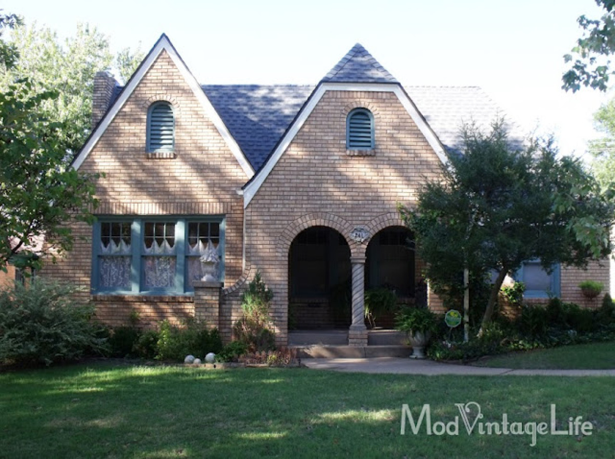 House tour a cottage home restored by artist nita stacy with storybook style photos huffpost - Storybook houses dreamy home ...