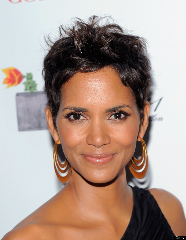 Halle Berry Talks Signature Short Hairstyle And Hair Extensions PHOTOS