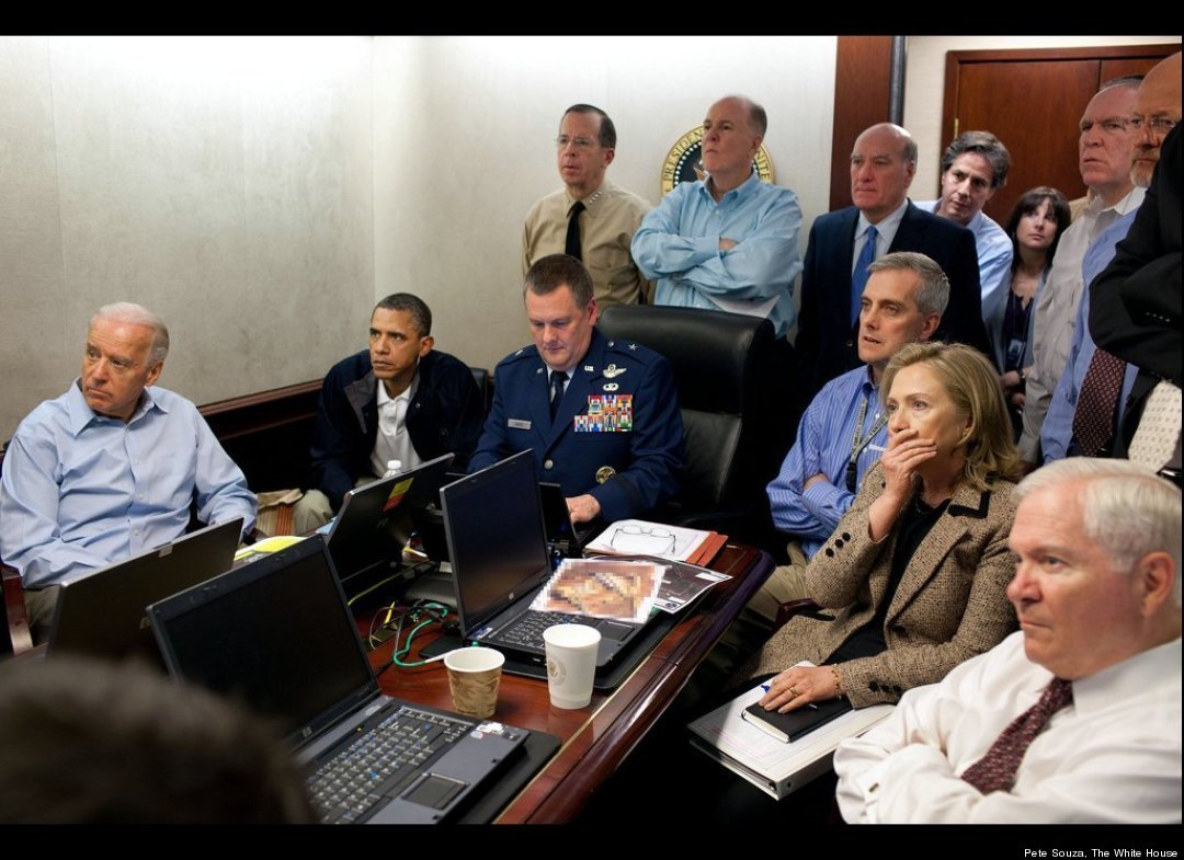 Obama's Osama Bin Laden Mission Captured In Historic Situation Room Pictures See the historic images of President Obama, Secretary of State Hillary Clinton, Admiral Mike Mullen, and others discussing the dramatic raid below.