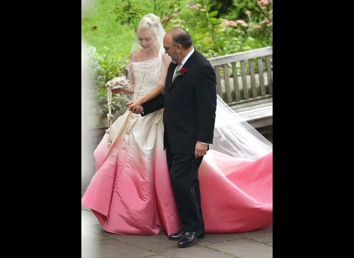 Wedding Story Blog Gwen Stefani S Wedding Dress