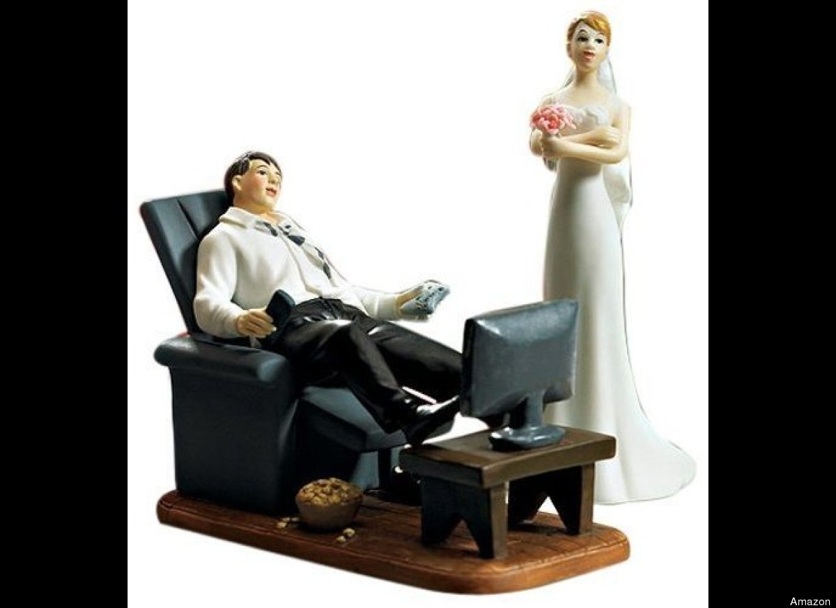 Wedding cake ornaments - Cake Toppers 12 Most Inappropriate Wedding Cake Toppers