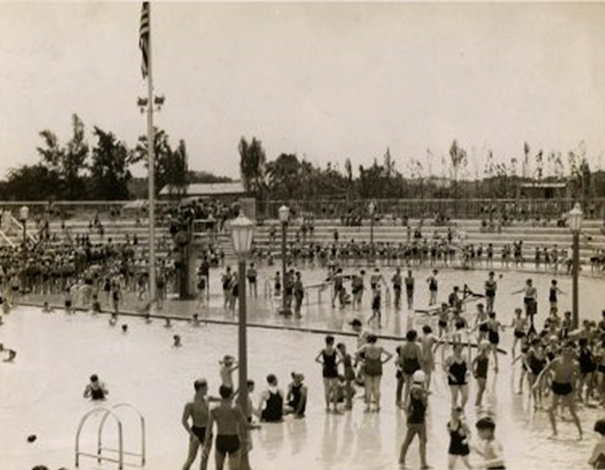 Vintage Photos Of New Yorkers Escaping The Heat At City 39 S Beaches Pools Photos Huffpost