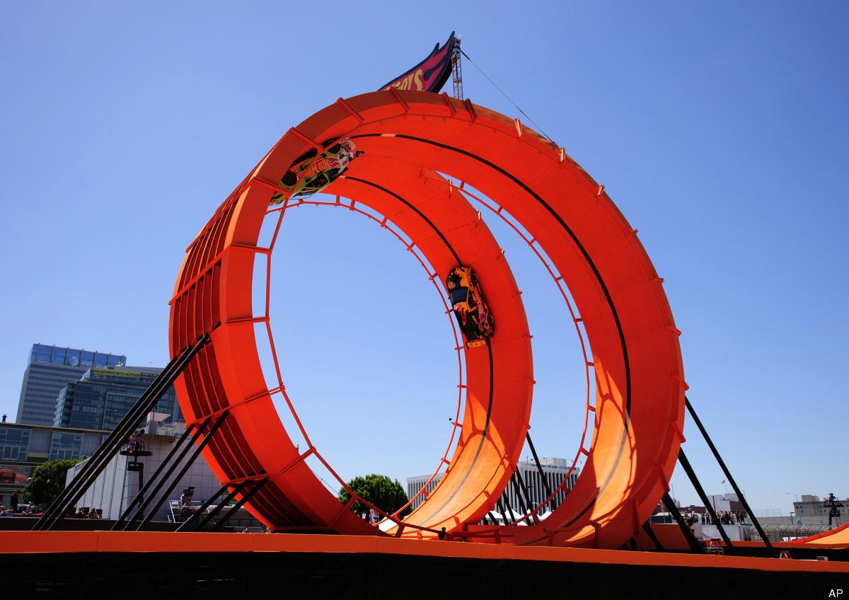 x games 2012 hot wheels double loop dare breaks world. Black Bedroom Furniture Sets. Home Design Ideas