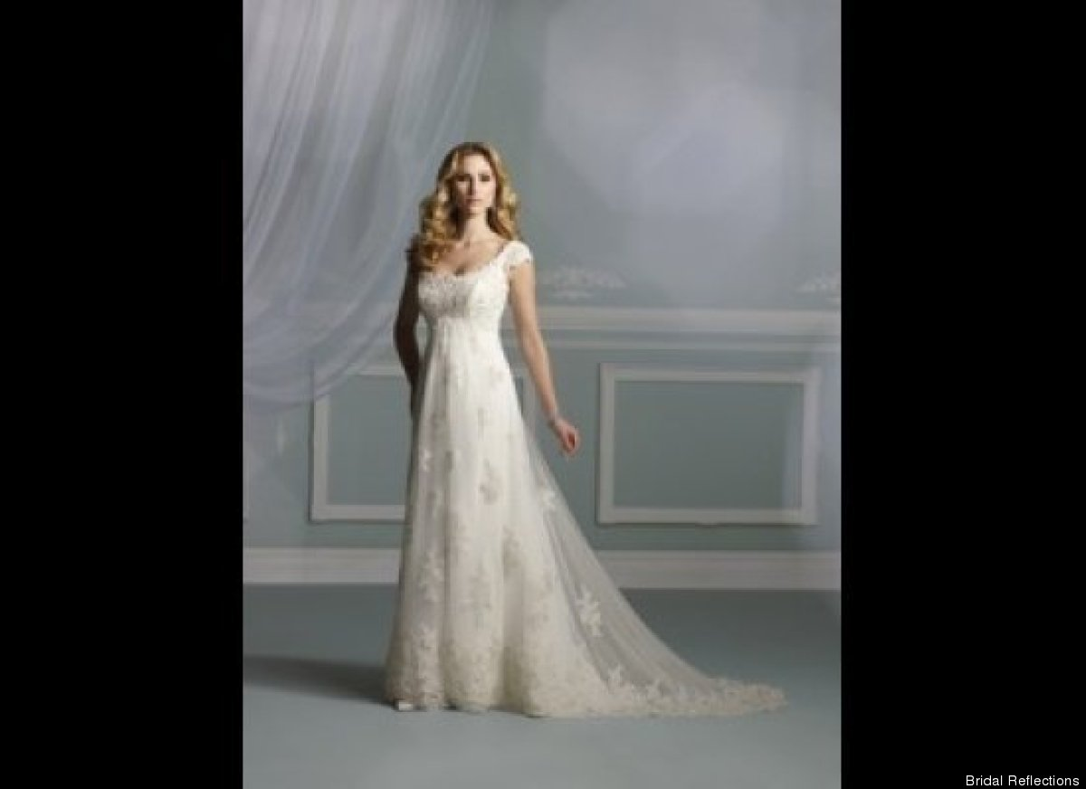 Wedding Gown For Petite Bride: Pregnant Brides: Beautiful Dresses To Fit Growing Bellies