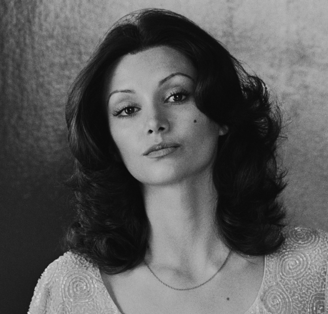Ina Garten Address See The 1970s Hair Dryer That Gave Farrah Fawcett Flippy