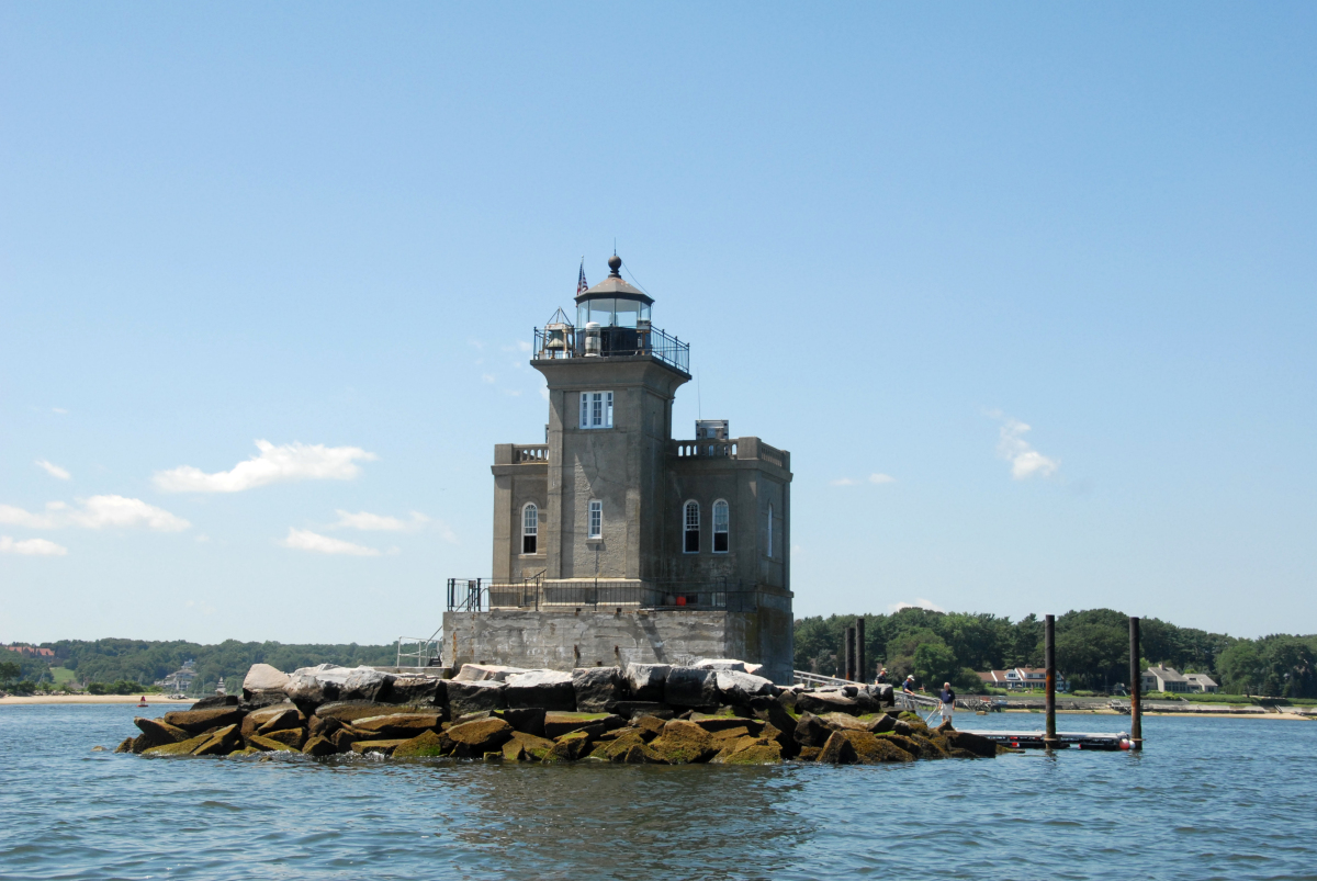 National lighthouse day visiting america 39 s prettiest for Most beautiful lighthouses in the us