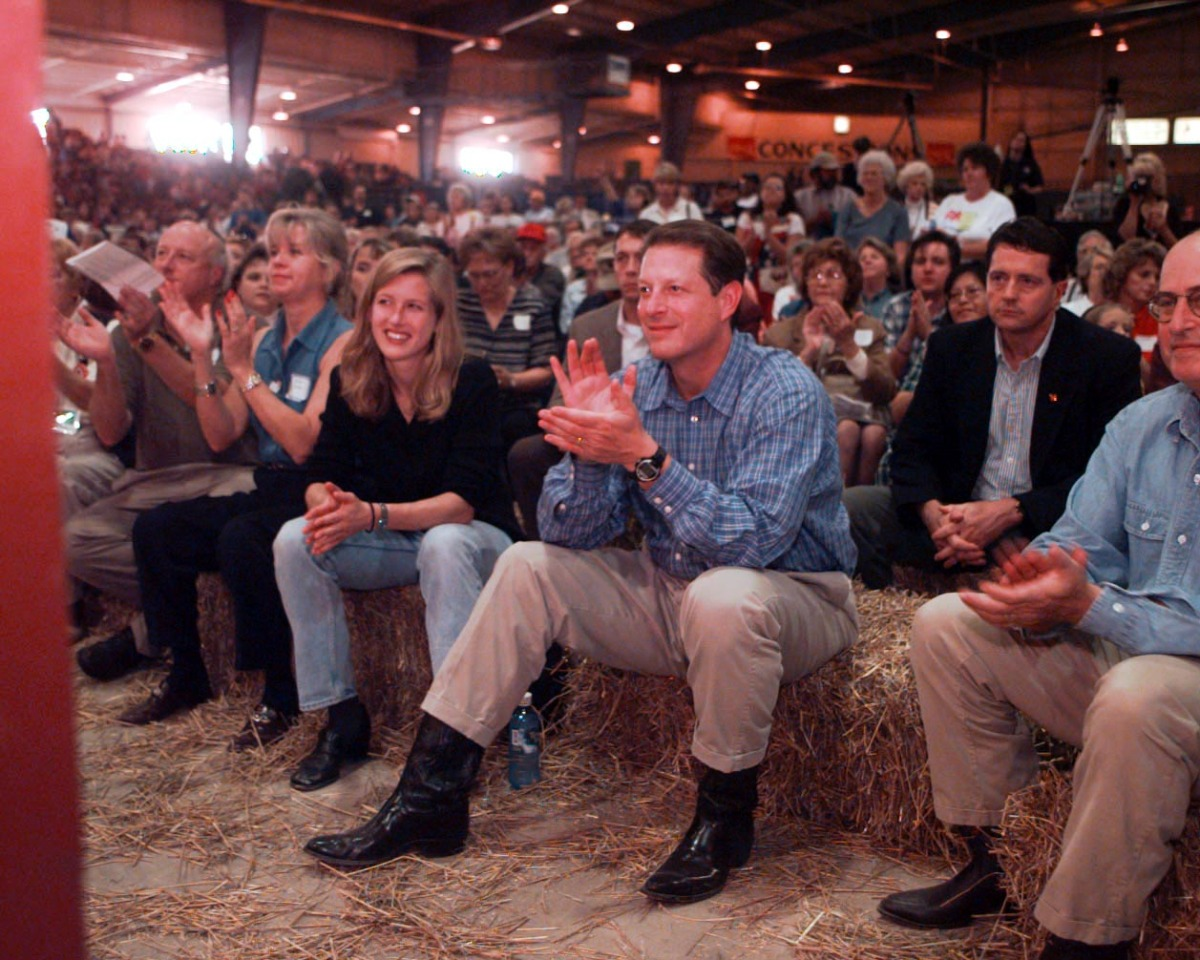 Paul Ryan's Cowboy Boots: Channeling Reagan? (PHOTOS) | HuffPost