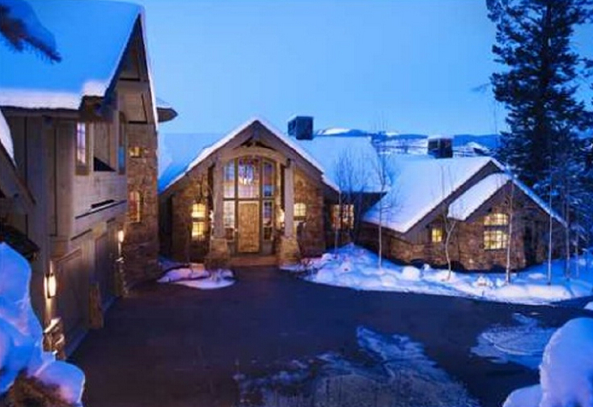 Kelsey grammer 39 s colorado ski house still for sale price for Colorado house