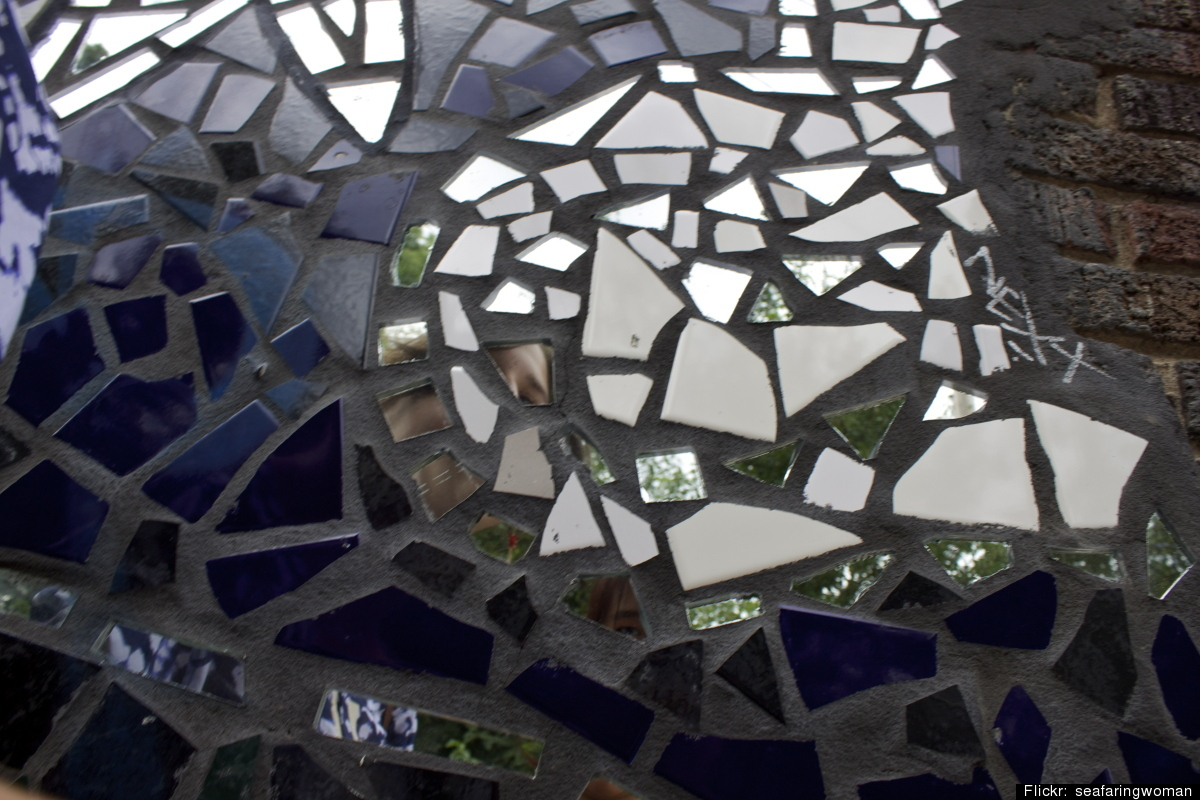 Broken Glass Projects Do It Yourself Ideas For Reusing
