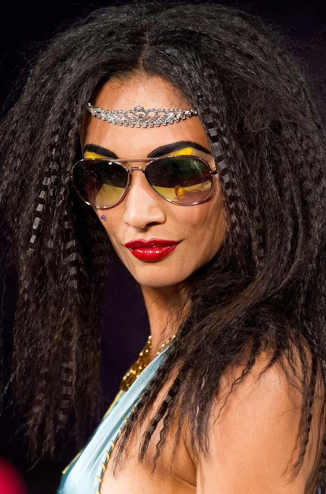 hair crimped 80s hairstyle johnson crimping iron covet monique betsey come york huffpost spring