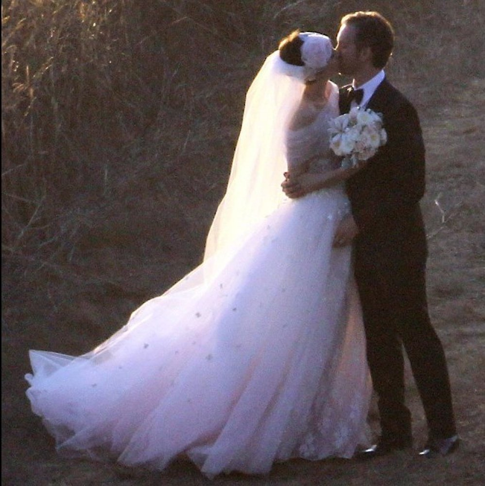 Anne Hathaway's Wedding Dress: Get The Look