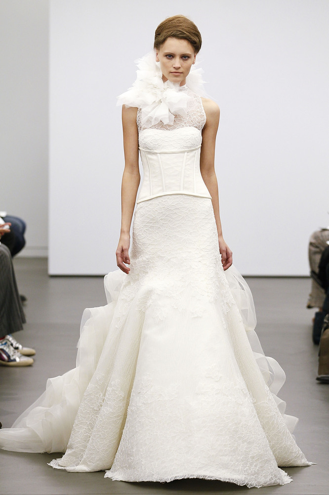 lace overlays wedding gowns