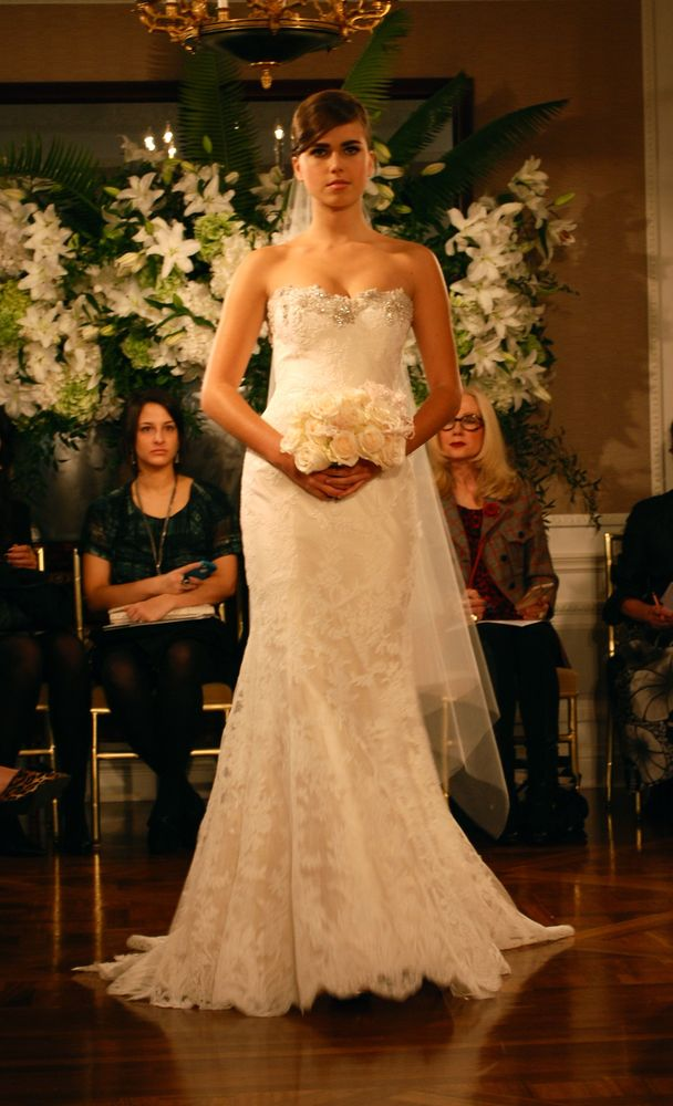 lace overlays wedding dress