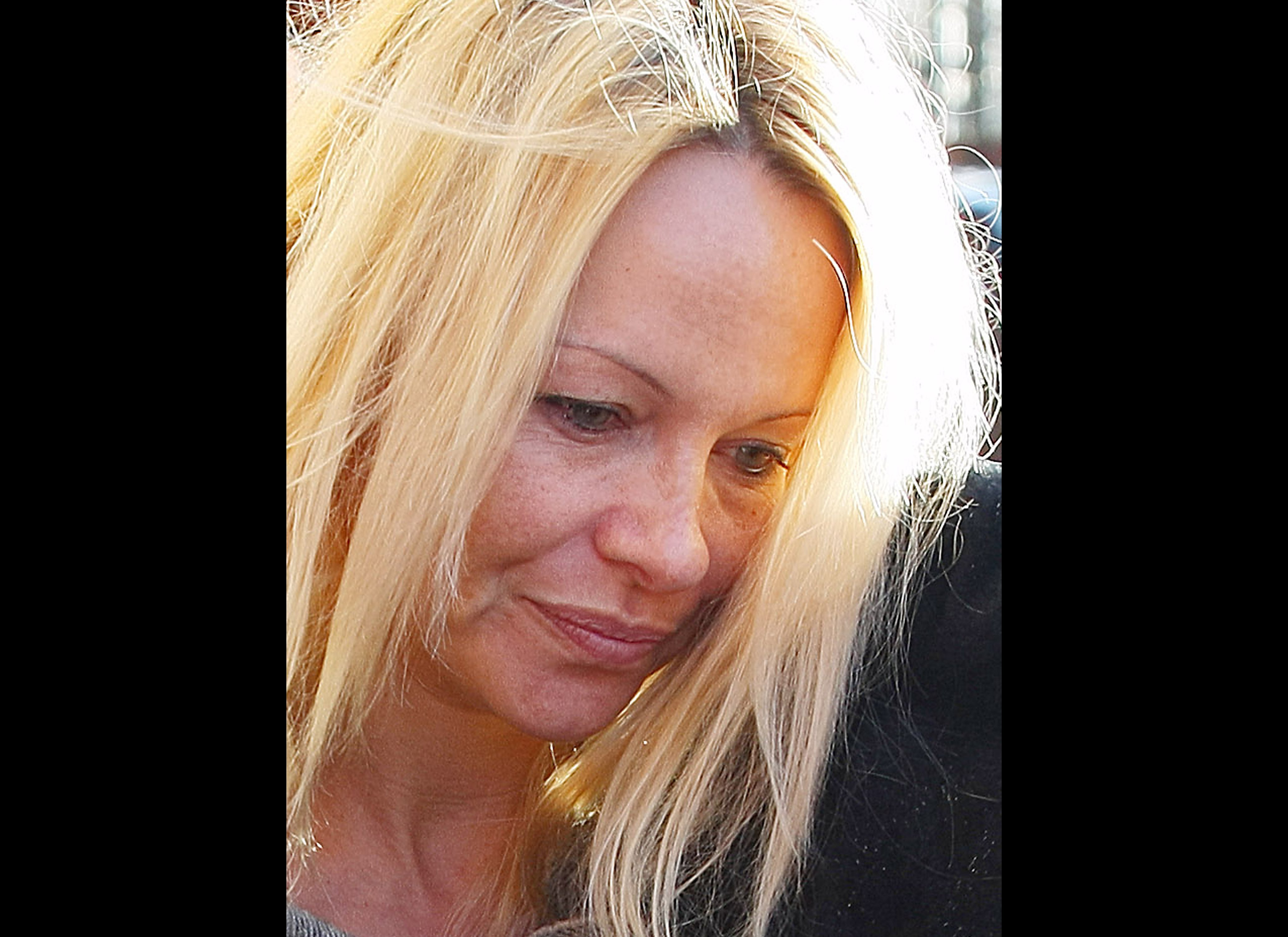 Pamela Anderson Without Makeup Our Top 8 Styles At Life