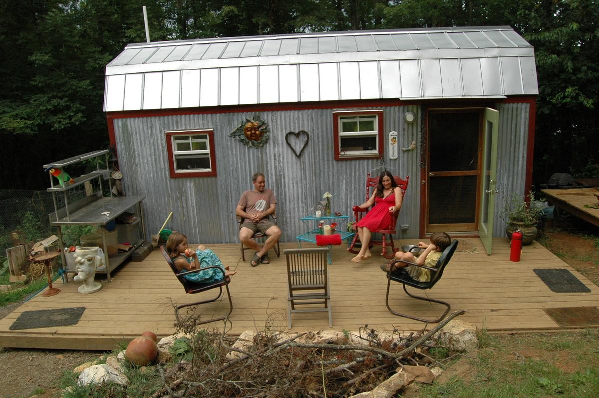 Tiny Home Designs: House Tour: Hari And Karl Berzins' Tiny Home For A Family