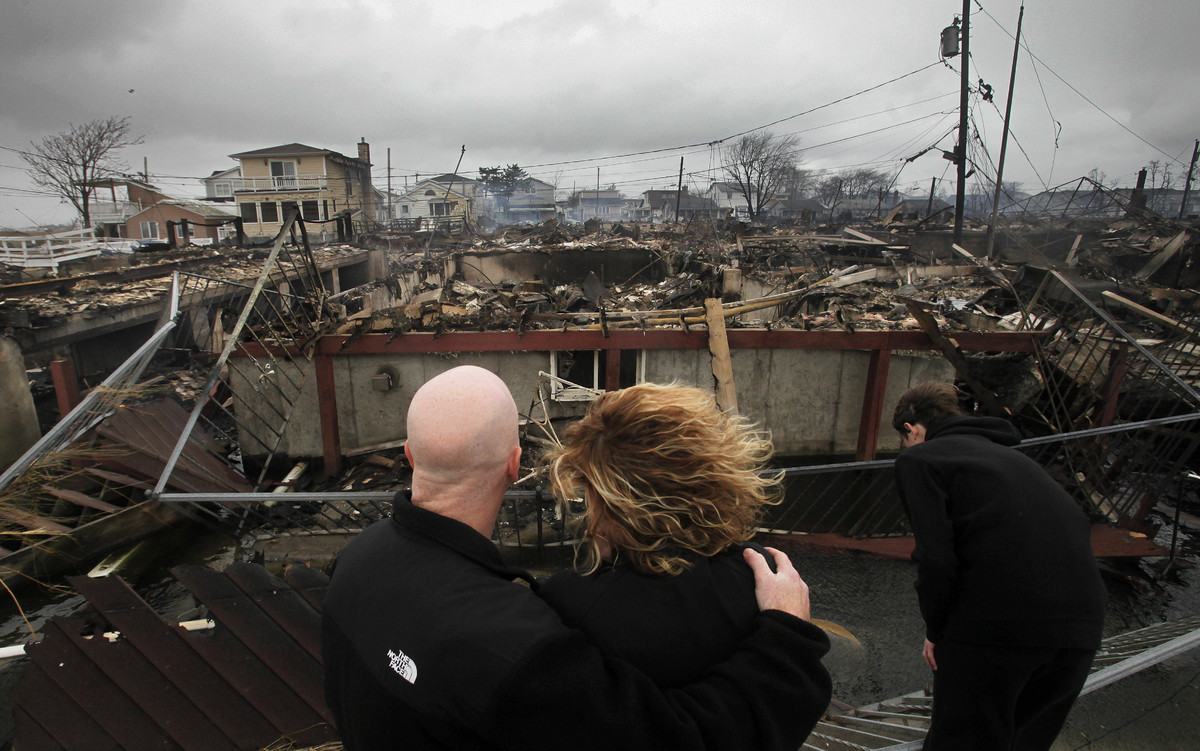 Breezy Point Fire At Least 80 Flooded Houses Destroyed By NYC Blaze