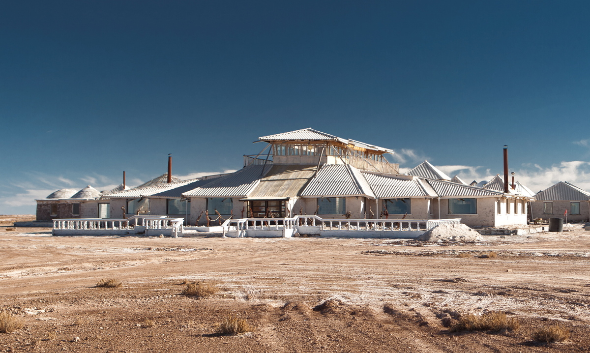 Palacio de sal salar de uyuni hotel built entirely of for Salar de uyuni hotel made of salt