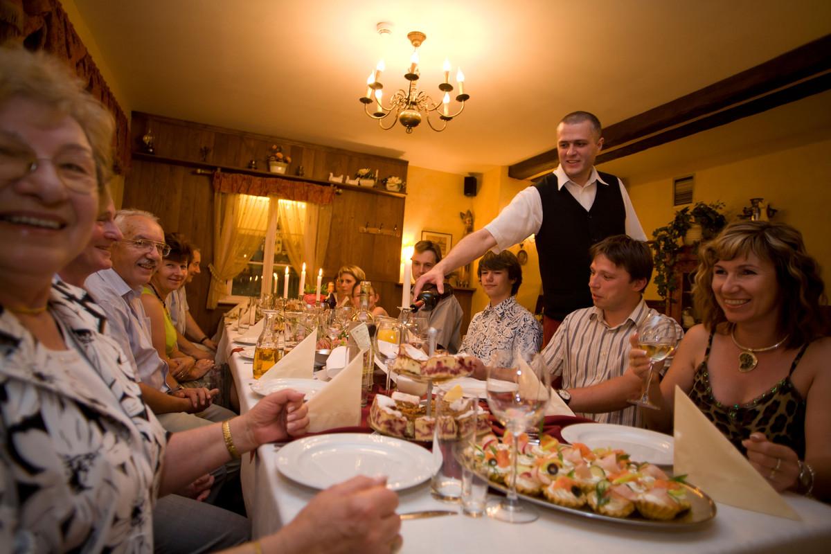 Metro detroit restaurants open on thanksgiving for 2012 for What restaurants are open on thanksgiving