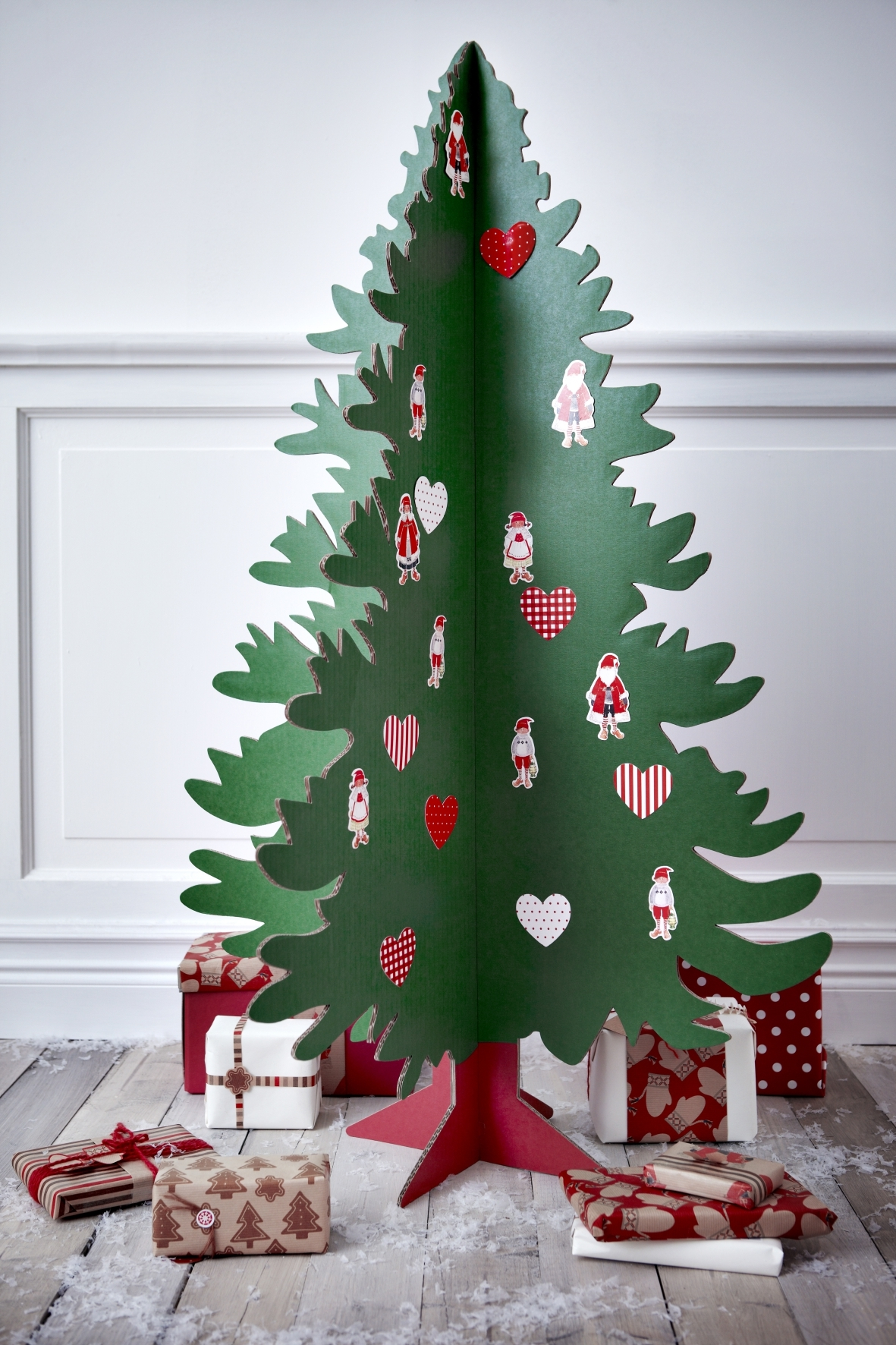 christmas trees 12 festive alternatives. Black Bedroom Furniture Sets. Home Design Ideas