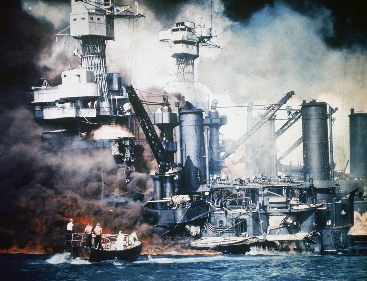 an in depth description of the events of the attack on pearl harbor in 1941 The surprise bombing of the american naval harbor of pearl harbor on december 7, 1941 by the japanese navy had many consequences, including in a majority opinion in favor of the government, the supreme court concurred that the importance of protecting america from foreign invasion and.