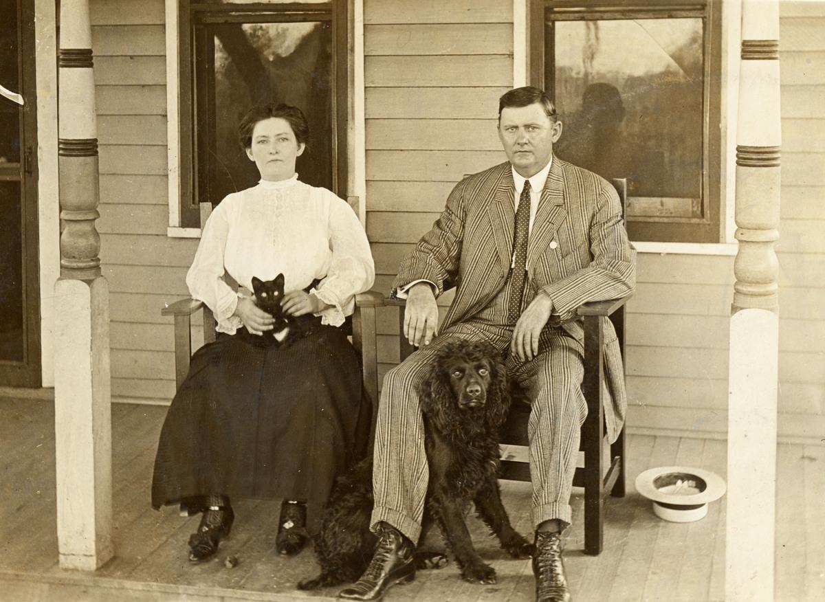Bear Bear the Fearsome Rottie: Vintage Family Photos