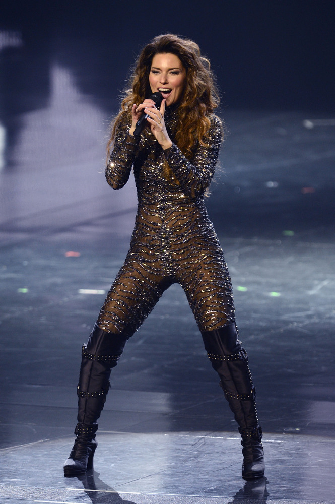 Shania Twain's Catsuit & More Stars Who Wore Sexy Sparkly ...
