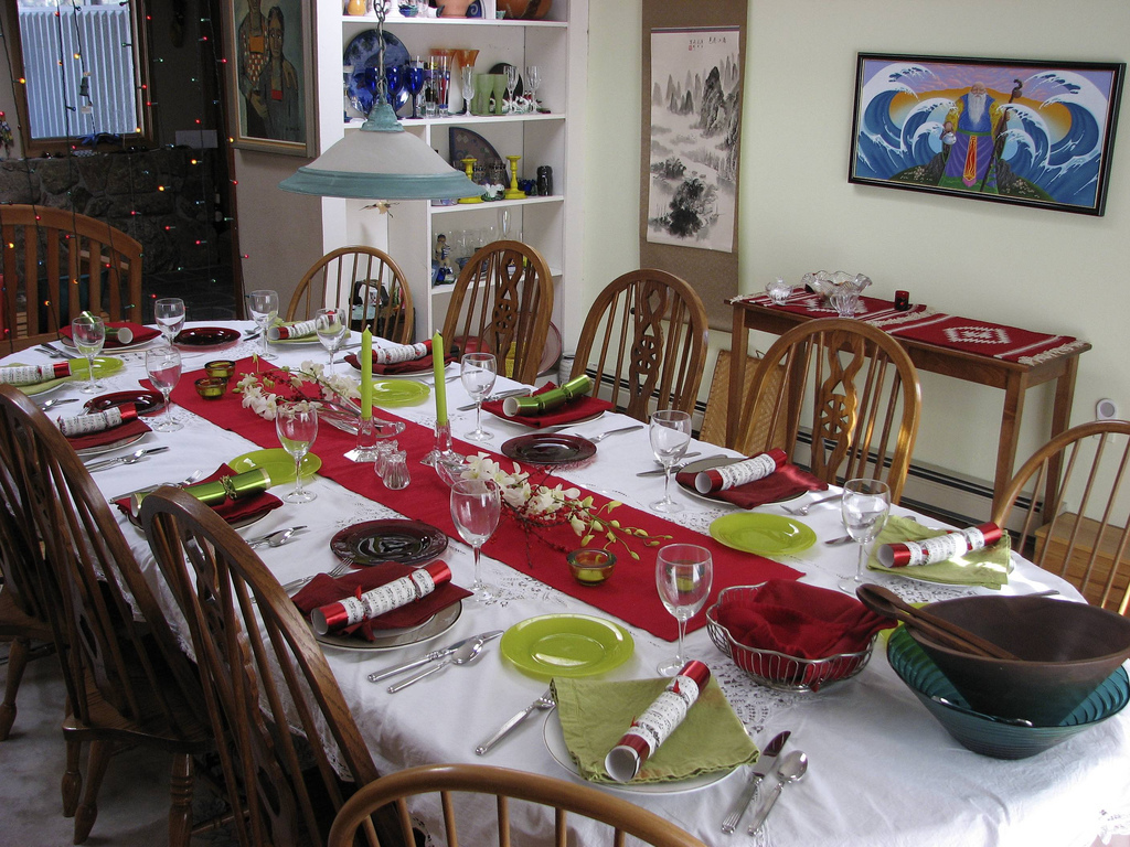 Christmas Table Ideas To Give You A Little Holiday