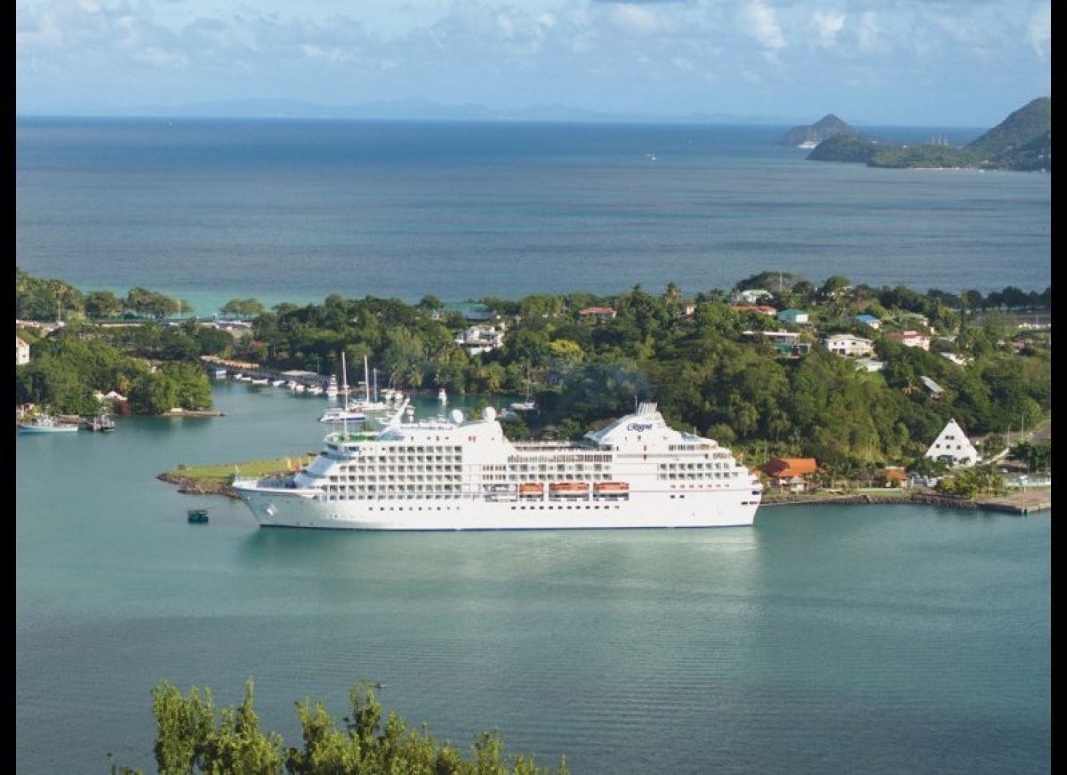 Top 10 small cruise ships in the world huffpost for Top small cruise lines