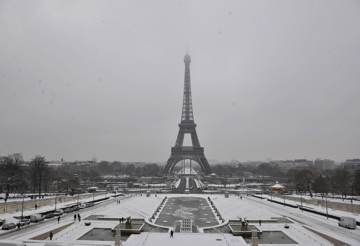 what your favorite vacation destination says about you the the many moods of the eiffel tower