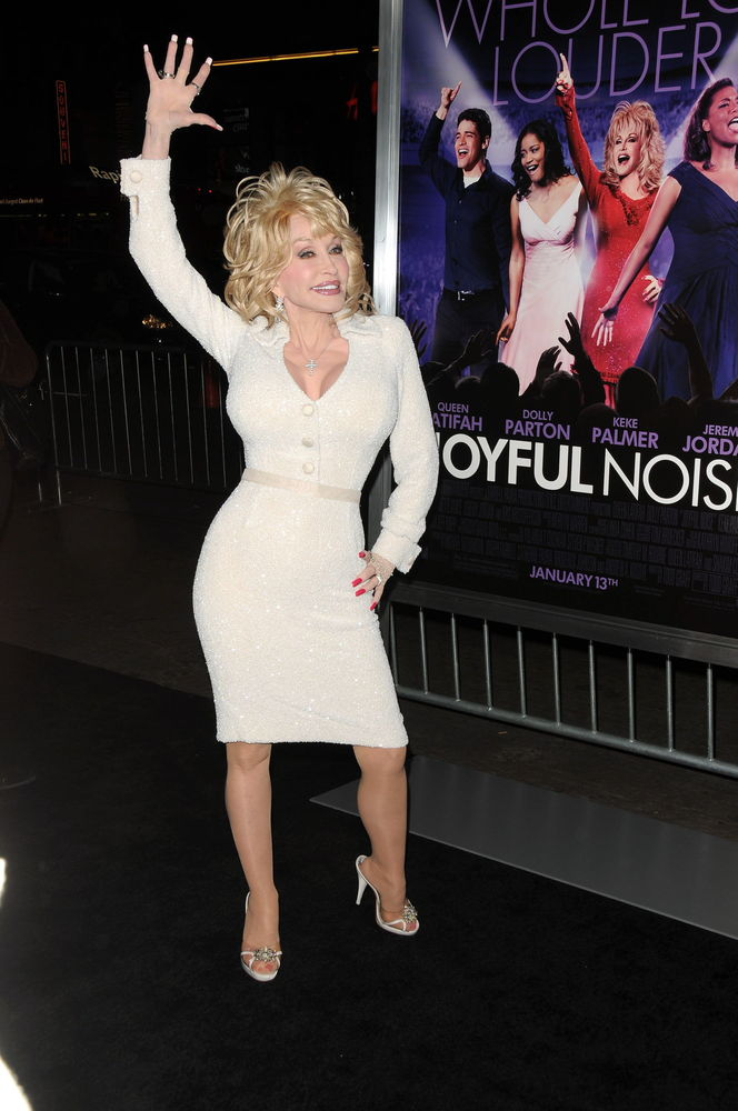 dolly parton shows her tits