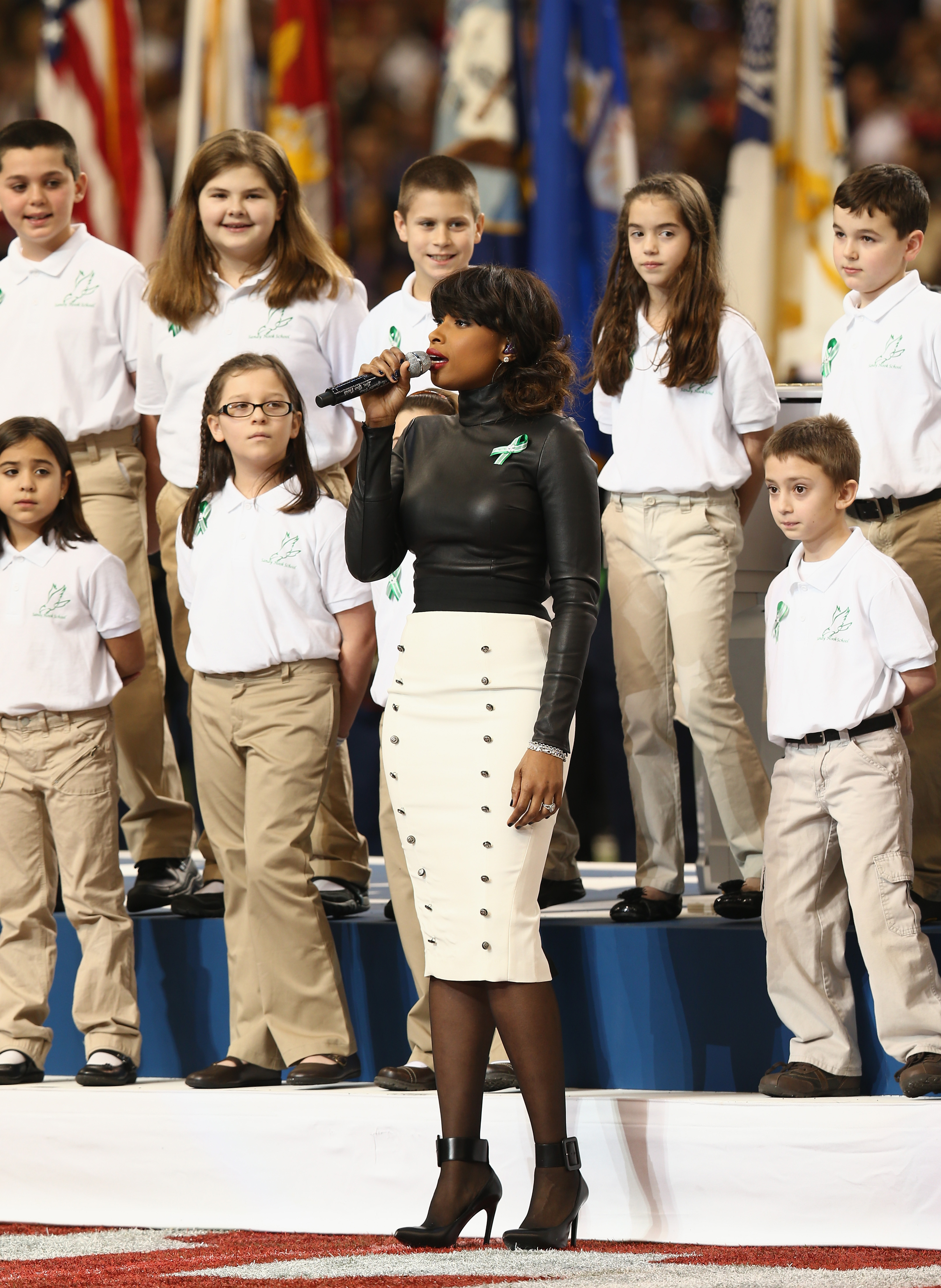 sandy hook super bowl Jennifer hudson will join the chorus from sandy hook elementary school to sing america the beautiful before sunday's super bowl game nfl spokesman brian mccarthy said thursday that the grammy and oscar-winning singer would join the sandy hook chorus it features 26 children from the school in.