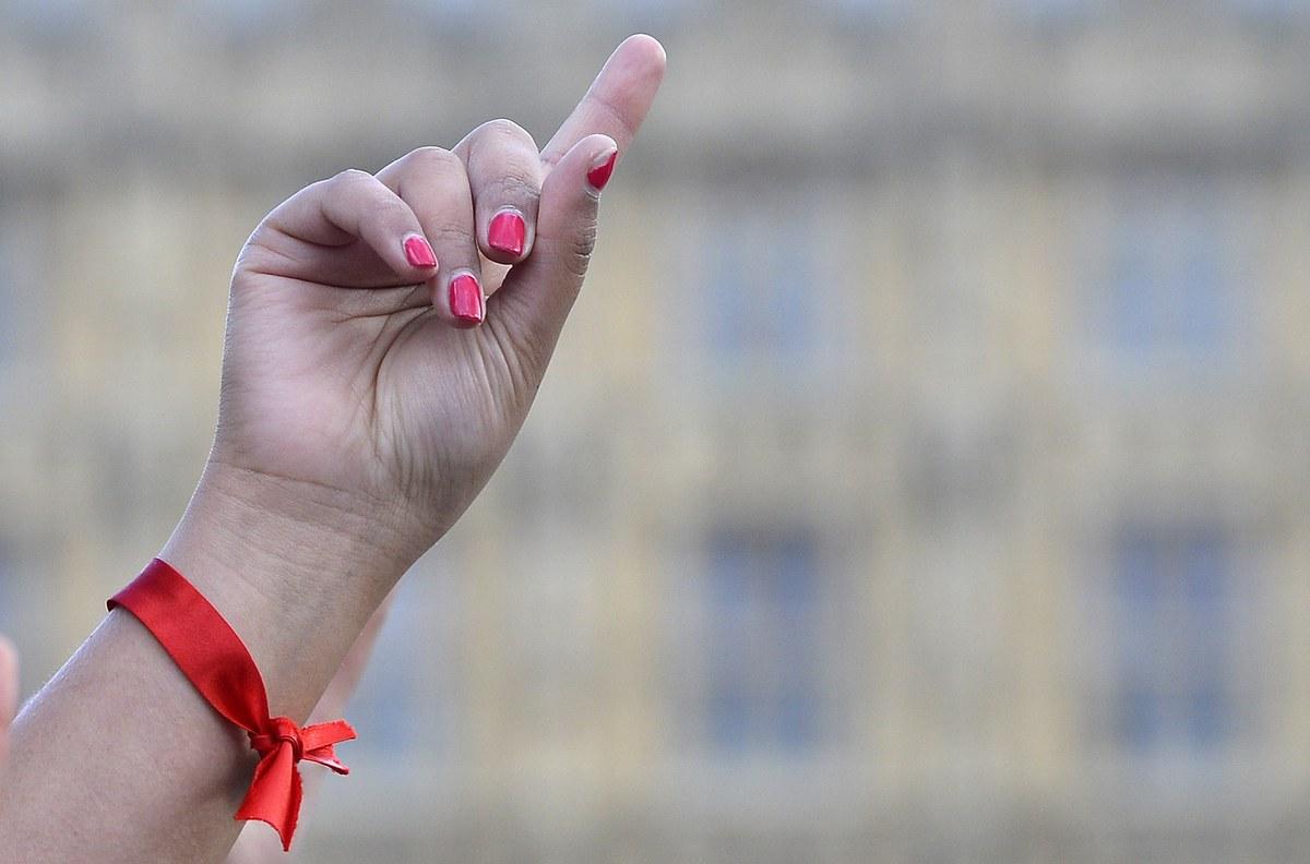San Valentino, flash mob contro la violenza sulle donne (FOTO)