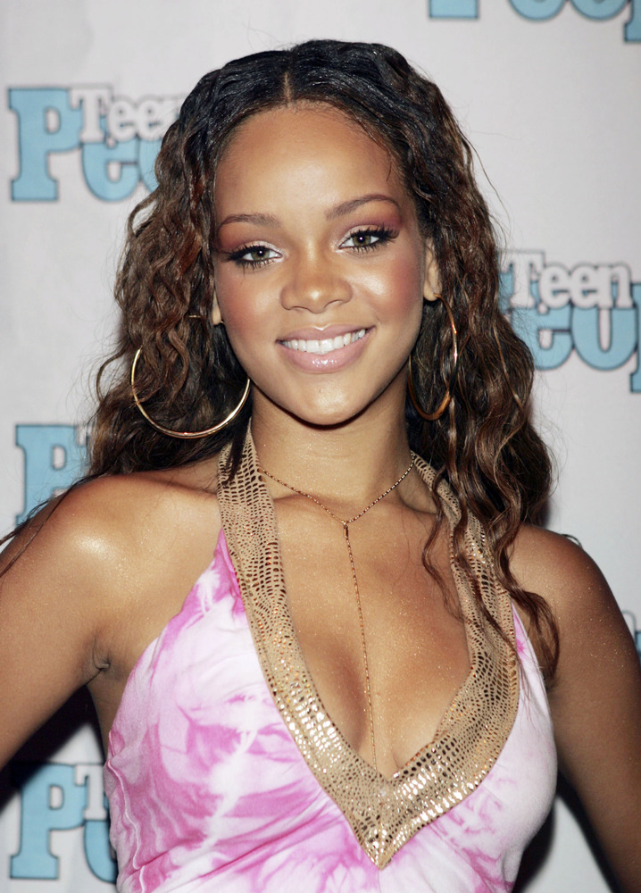 Rihanna Beauty Evolution: The Hair Chameleon's 'Dos And ... Rihanna